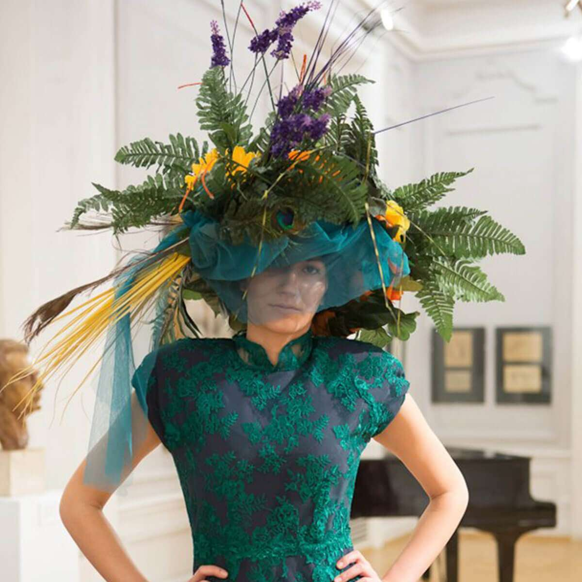 Valeria_Valencer_Hats_flowers_fashion008